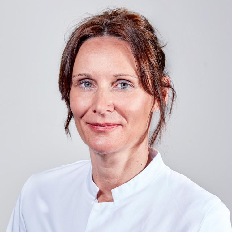 Dr. Ranka Marohl ist Fachärztin für Innere Medizin, Intensiv- sowie Notfallmedizin